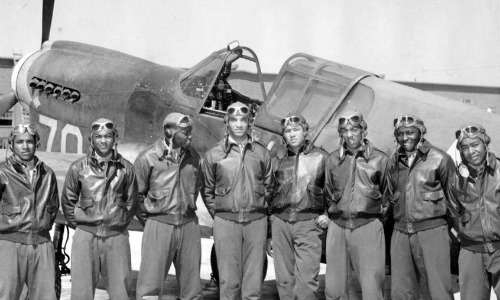 a film review of the tuskegee airmen What parents need to know parents need to know that the tuskegee airmen is a drama based on real events that occurred during wwii and a story of how the racial divide in america was slowly overcome.