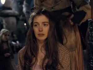 anne-hathaway-les-miserables-trailer