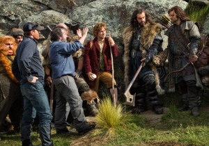 the-hobbit-peter-jackson-behind-the-scenes-bilbo-dwarves