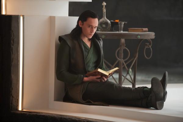 thor-the-dark-world-tom-hiddleston-600x399